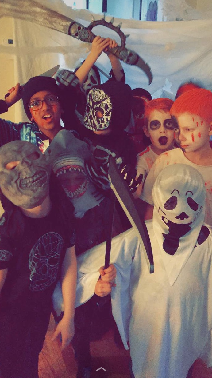 Hryllilegt Halloween partý!